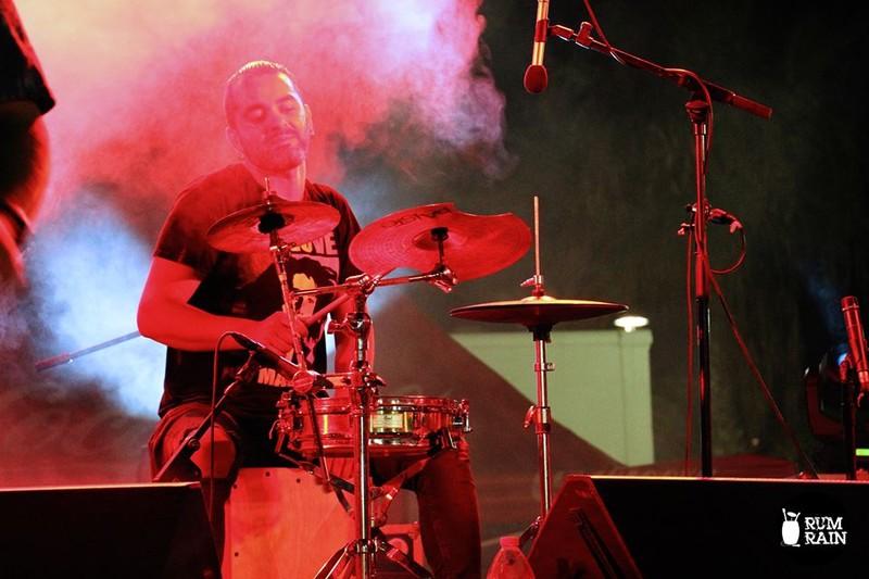 Cristobal Salazar (percusión/batería)
