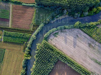 Paisatges Verticals, fotografia aèria presta servicio en la subcategoría de Video y fotografía con drones en Girona